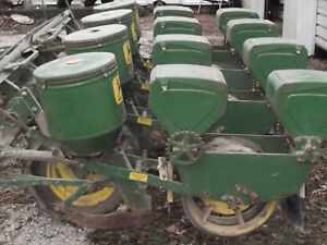 Jd 1240 4 Row Narrow Planter