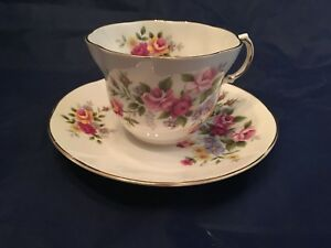 Rosina Queen S Tea Cup Saucer Pink Rose Pattern Fine China England Vintage