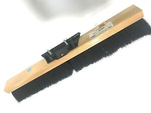 Osborn 52312sp Flexsweep Floor Broom Black Tampico Fill Material 24 Block