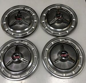 1966 Chevrolet Super Sport Hubcaps Appearance Is Nos