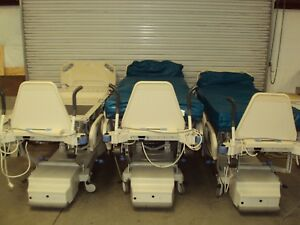 Lot 3 Hill rom Totalcare P1900 Hill Rom Total Care Hospital Bed With Scale