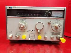 Hp Hewlett Packard Signal Generator Model 8654b powered On