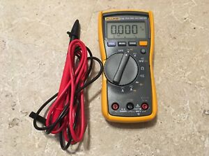Fluke 115 True Rms Multimeter With Leads