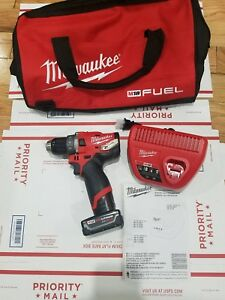 Milwaukee 2504 20 M12 Fuel 12 volt Brushless 1 2 In Hammer Drill battery charger
