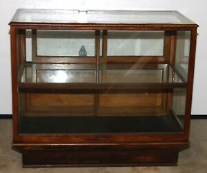 Vintage Oak Glass Display Case Showcase 40 h X 24 w X 47 l Pickup Only