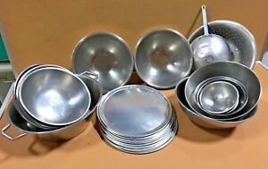 Commercial Kitchen Cookware Lot Of 30 Strainers Mixing Bowls And Pizza Pans