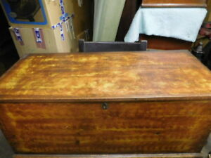 Blanket Box With Glove Tray Flamed Wood Grain Early 1800 S