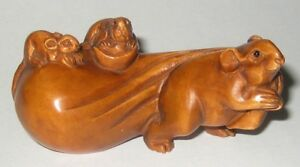 Lovely Boxwood Netsuke Mouse Pulling Bag Of Treasure