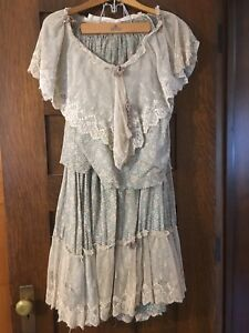 Beautiful Primitive Country Rustic Old Prairie Wall Dress Skirt Decor