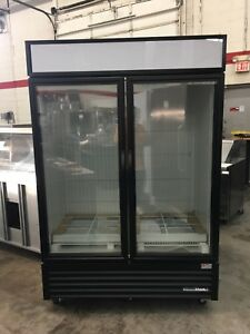 True Gdm 49f hc tsl01 2 Door Display Freezer Made 12 17 New Never Used
