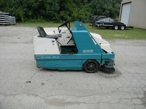Tennant 235 Ride on Floor Sweeper Scrubber 418 Hours Great Machine