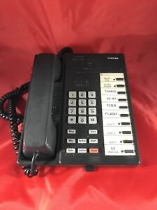 Toshiba Strata Dk8 Dksu8a Digital Telephone System With 5 Phones Used