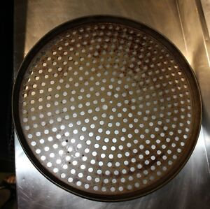 Lot Of 25 Used Lloyd Pans Co Commercial Perforated Pizza Pan 16
