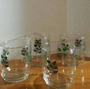 Ensemble Holiday Holly Berry Drinking Rocks Glasses