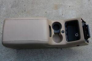 03 06 Ford Expedition Center Front Console Storage Assy Arm Rest Lid Tan