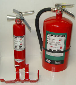2 Badger 15 5 Hb Halotron 15 1 2 Lb Amerex B385 2 1 2 Lbs Fire Extinguishers