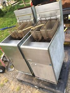 2 pitco Gas Fryer Commercial Units Both Work Sold As Pair Or Single