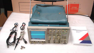 Tektronix 2465b 400mhz Analog 4 Channel Oscilloscope With Accessories Manual