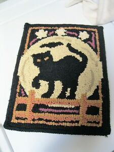 Primitive Wool Hooked Rug Wall Hanging Black Cat On Fence Halloween