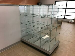 Glass Display Cubicle