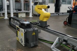 Fanuc Lr Mate 200ic 5l Robot R 30ia 7th Axis Robot Transfer Unit Abb Motoman