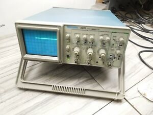 Tektronix 2225 50mhz Two Channel Oscilloscope Powered On
