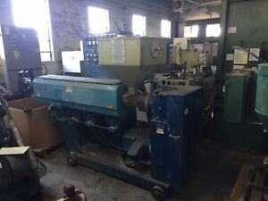 Berlyn 2 1 2 30 To 1 Extruder With 40 Hp Dc Motor Good Condition Used