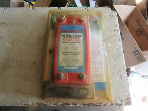New In Package Red Snap r Electric Fence Controller 30 Mile 110v Lot 18 64 50