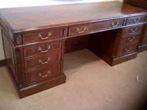 Leighton Hall Large Traditional Mahogany Office Executive Credenza 74 In