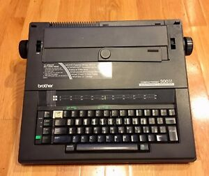 Brother Compactronic 300m Electronic Typewriter With Carrying Handle Works Well