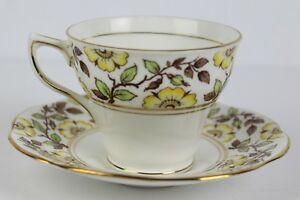 Vtg Rosina Queens Bone China Yellow Flower 4984 Tea Cup Saucer Set England Stamp