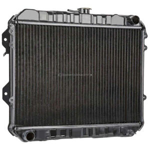 New Radiator For Toyota Pickup 1978 1979 1980 1981 1982 1983