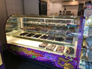 Aacca 72 r 72 Curved Front Display Case Glass chocolate Candy Donut Bakery