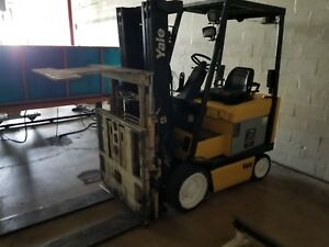 Yale Forklift Electric With Powered Pallet Reach Stacker