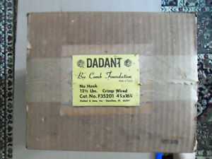 Dadant Bee Comb Foundation Wired 4 3 4 X 16 3 4 No Hook 12 5 Lb F35201