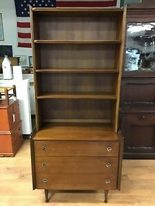 Mid Century Hooker Mainline Chest Of Drawers With Hutch