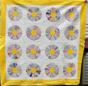 Antique Dresden Plate Quilt Yellow Border Well Quilted 18440