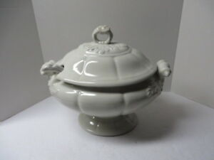 Red Cliff Large Soup Tureen W Lid Ladle White Ironstone