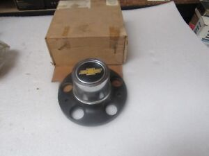 Nos 74 87 Chevy Truck Van Blazer Wheel Center For Rally Wheel 341430 359758