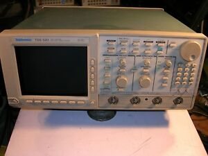 Tektronix Tds 520 2 Channel 500 Mhz Digital Oscilloscope As Is For Parts