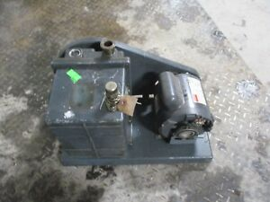 Welch Vacuum Pump With Motor Mod 1402 Sn 66874 1112314c used