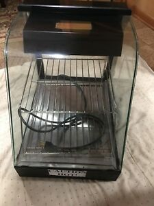 Wisco Industries 304hh Curved Glass Food Warmer Bagles Pizza