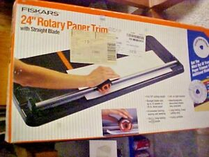 Fiskars 24 Rotary Paper Trimmer With Straight Blade