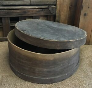 Primitive Wooden Round 18 Pantry Box With Lid
