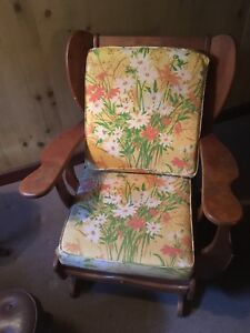 2 Vintage Club Lounge Chair Pair Maple Colonial Cushman Style Paddle Arm Cabin