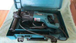 Makita Hr2455 Rotary Hammer Drill W case Handle 7 Bits 1 Chisel Works Used
