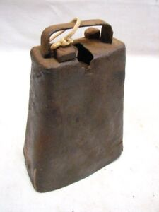 Antique Early Wrought Iron Goat Cow Bell Animal Farm Tool Primitive Noise Maker