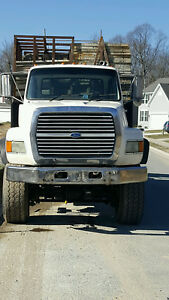 Foundation Crane 1997 Ford L9000 All Wheel Drive fassi F270a 23l213 Knuckleboom
