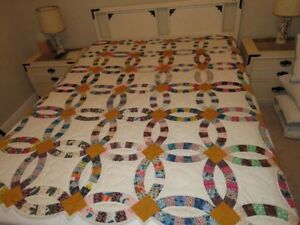 Beautiful Vintage Double Wedding Ring Quilt With Stitched Hearts 79x68