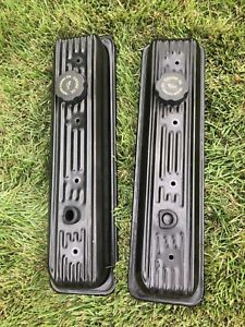 Set Of Gm Valve Covers Chevy 350 Center Bolts